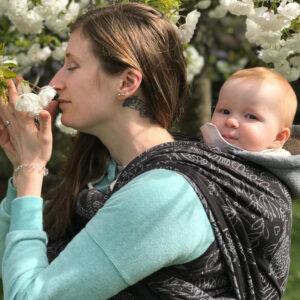 Keeping Baby Close with Didymos MegRob sq